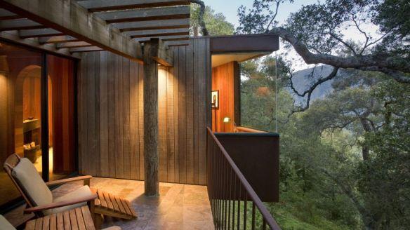 000068-06-balcony-exterior-treehouse-1